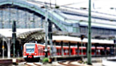 Jedzie pociąg z dalera
