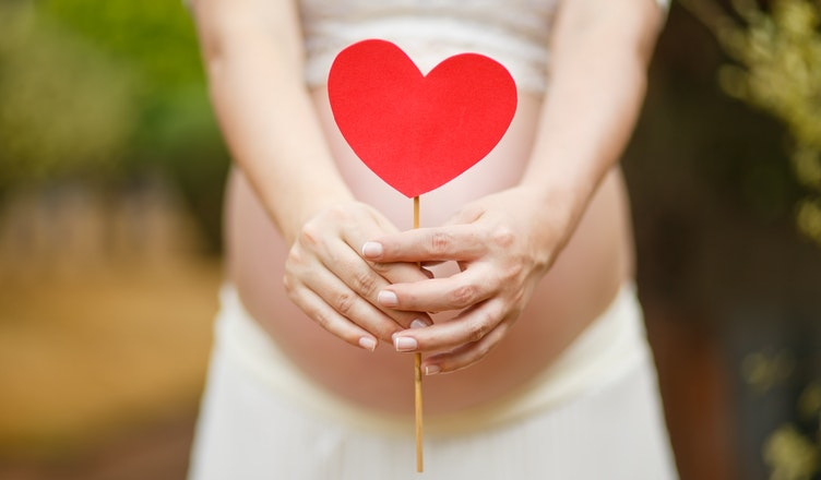 kobieta w zaawansowanej ciąży