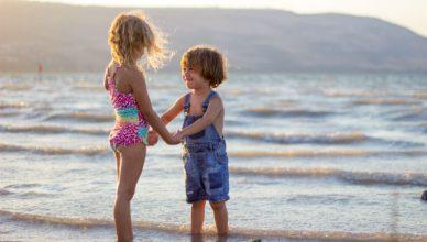 jak wybrać strój kąpielowy dla dziecka