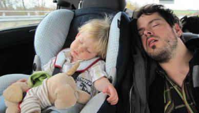 jak zadbać o bezpieczeństwo dziecka w podróży