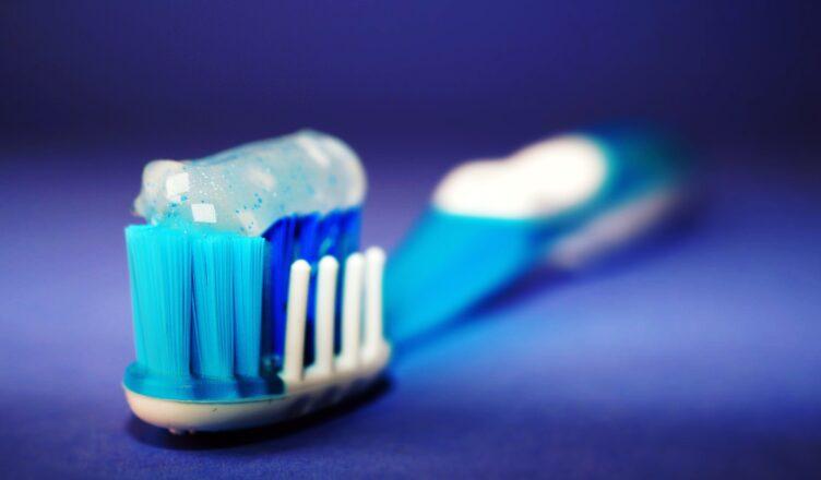Jak dbać o zęby mleczne